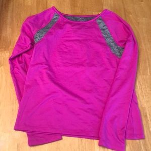 Hot pint athletic shirt
